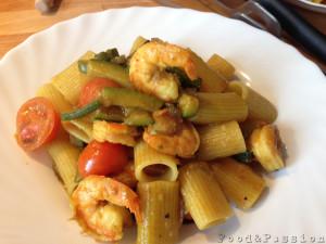 mezze maniche zucchine e gamberetti