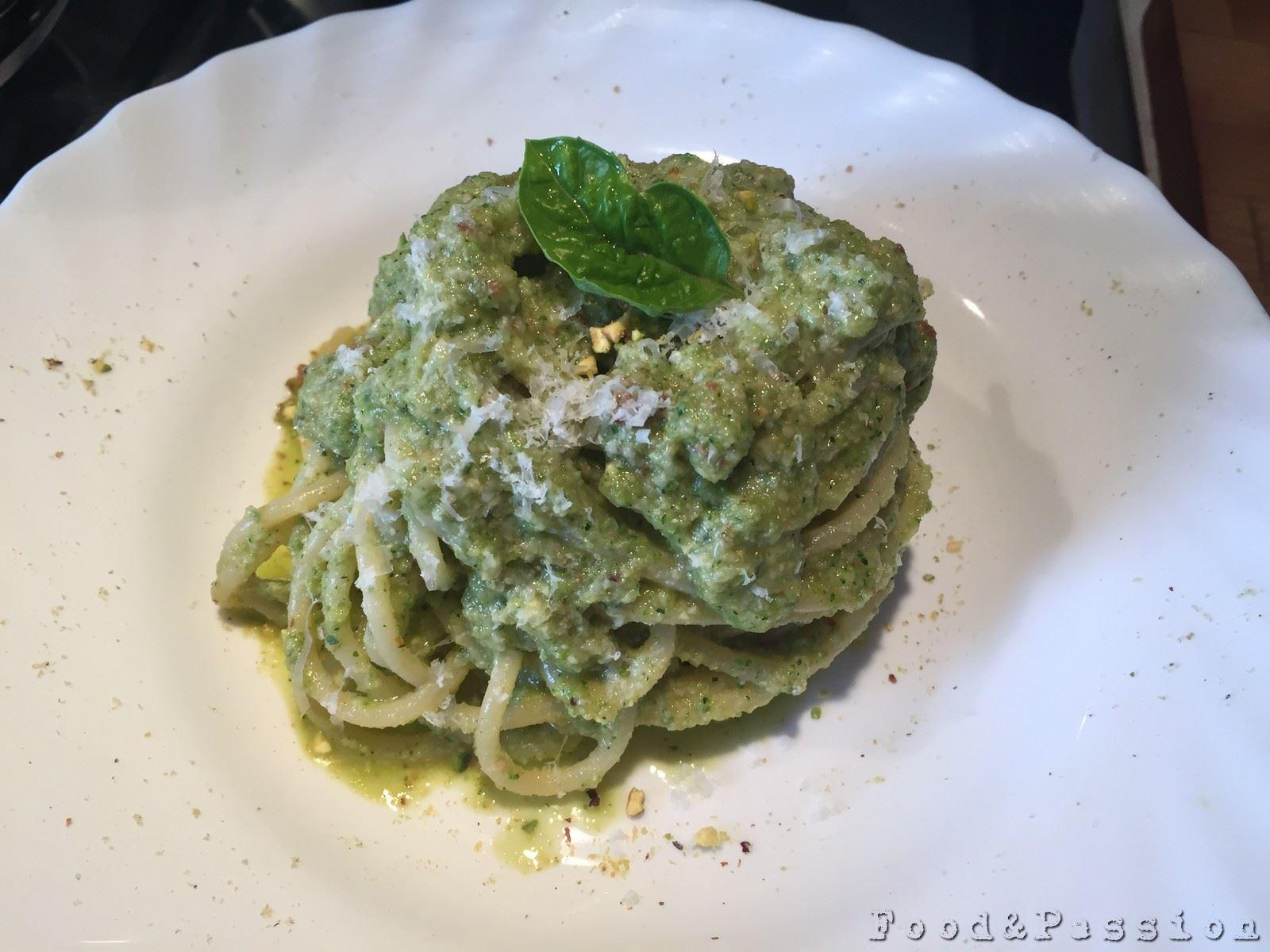 Vermicelli al pesto di zucchine e pistacchio 2